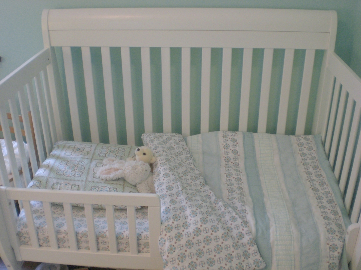 Toddler stripe duvet cover tutorial